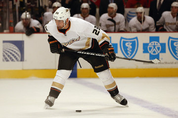 Francois Beauchemin looks to take a slap shot.  Image courtesy of zimbio.com.