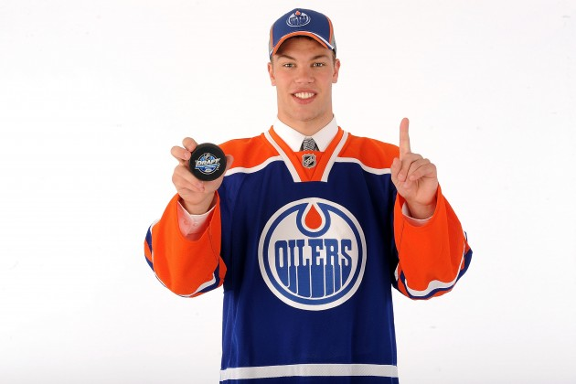 hall in oilers jersey