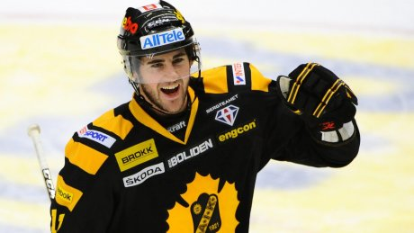 Bud Holloway celebrates scoring a goal with Skelleftea.  Image courtesy of hockeyligan.se.