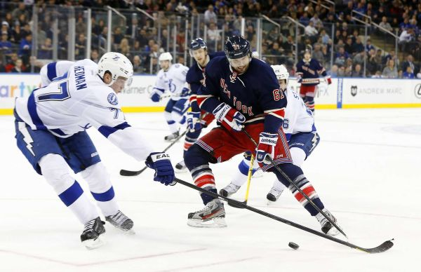 Rick Nash dances around the opposition. Image courtesy of newsday.com.