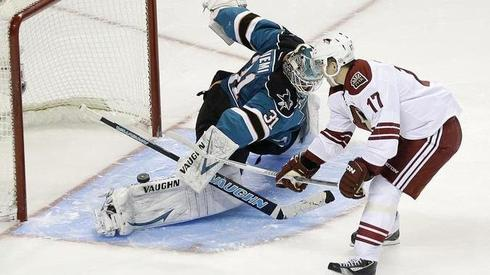 Antti Niemi has been quality for the Sharks this year.  Image courtesy of azcentral.com.
