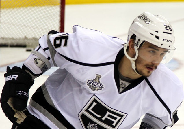 http://upload.wikimedia.org/wikipedia/commons/6/67/Slava_Voynov_-_Los_Angeles_Kings.jpg